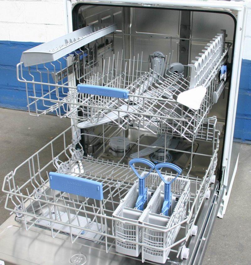Кухня с посудомоечной машиной (11)