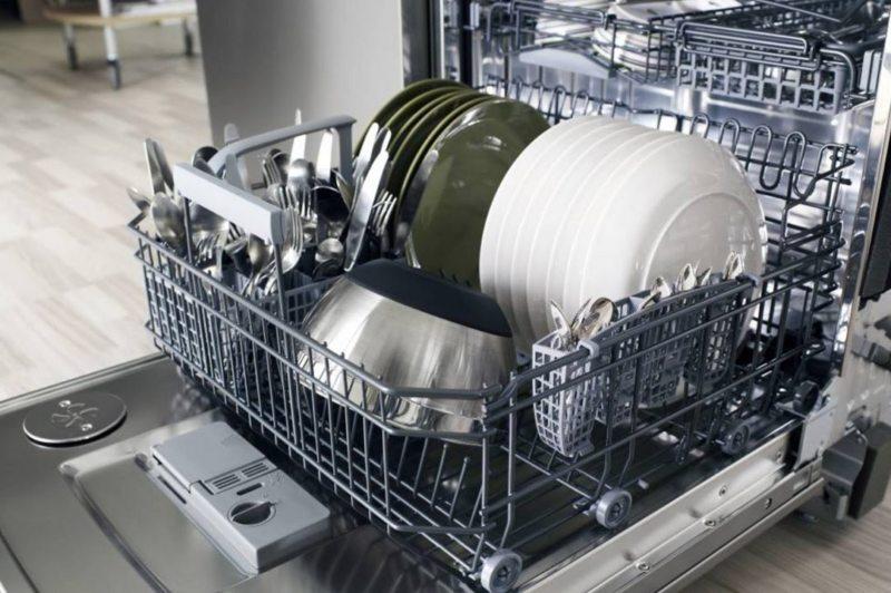 Кухня с посудомоечной машиной (15)