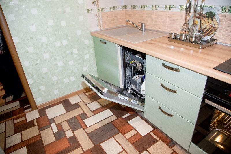Кухня с посудомоечной машиной (4)