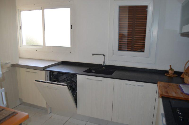 Кухня с посудомоечной машиной (7)