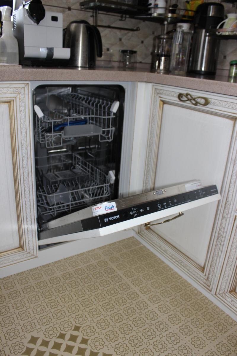 Кухня с посудомоечной машиной (9)