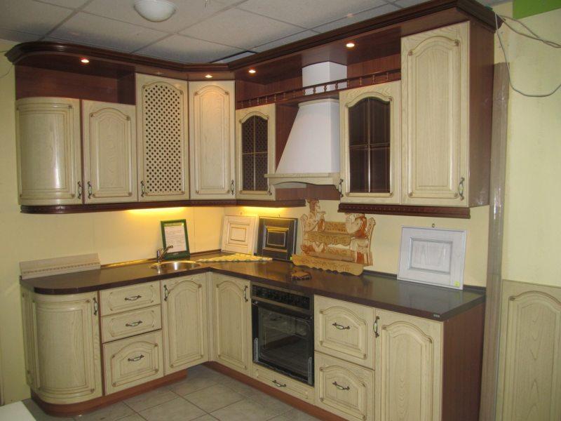 Кухня цвета слоновой кости (12)