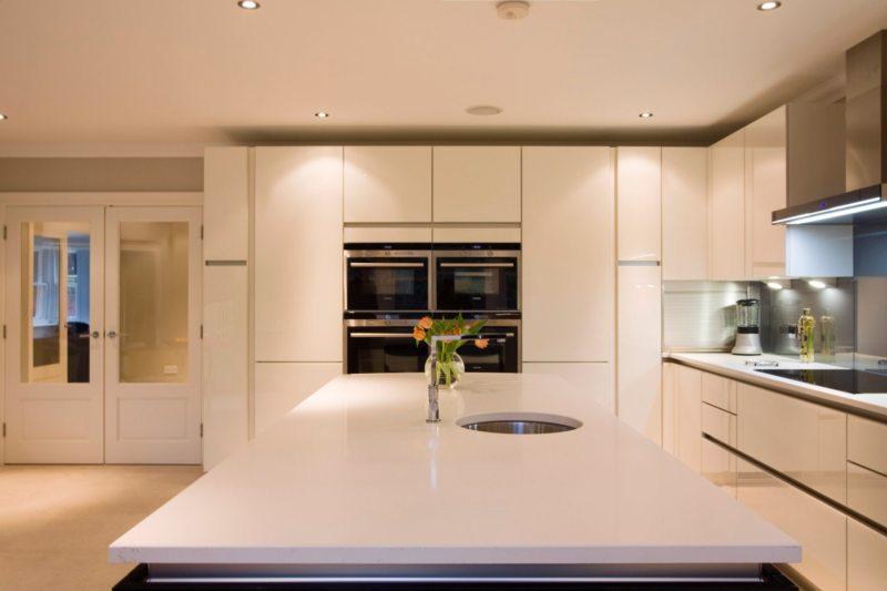Кухня цвета слоновой кости (6)