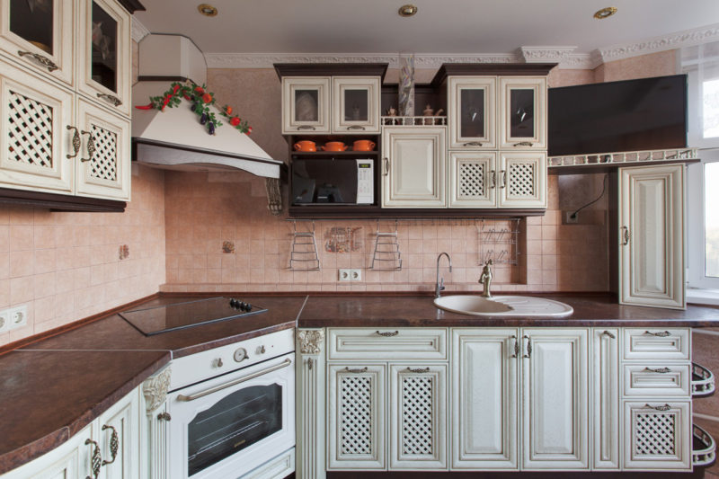 Кухня цвета слоновой кости (8)