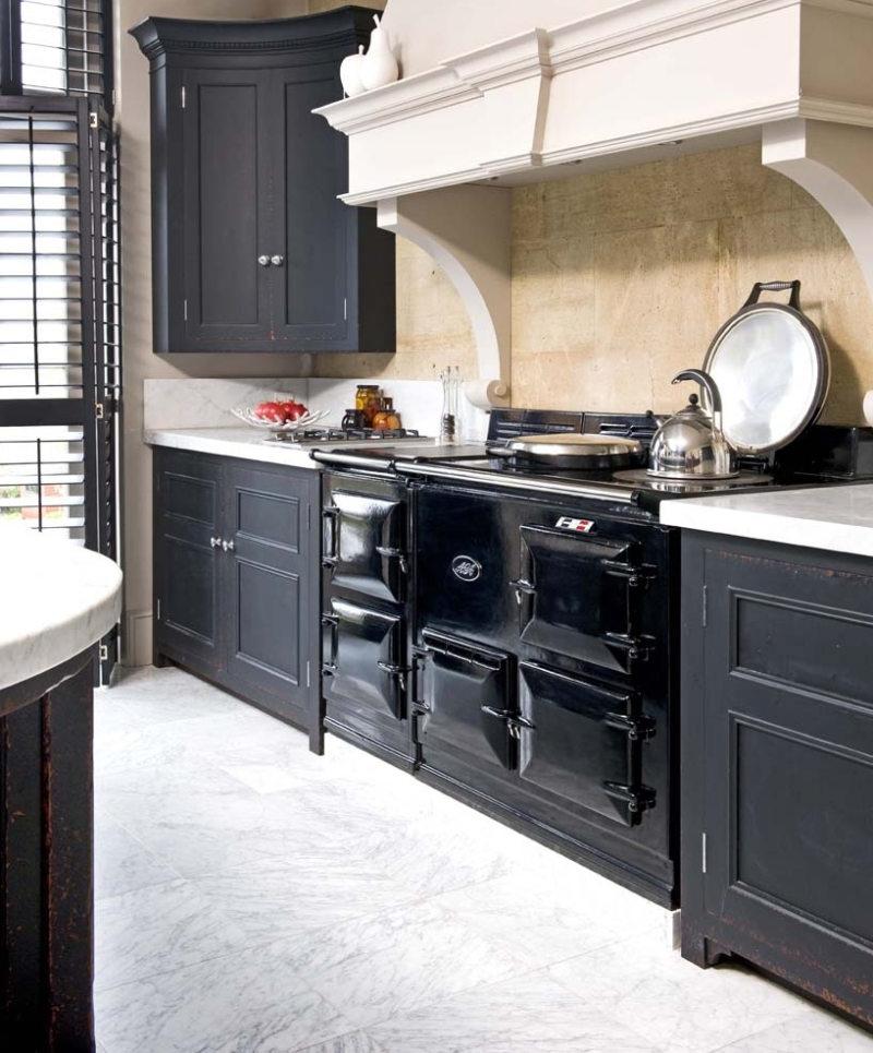 Кухня в готическом стиле (12)