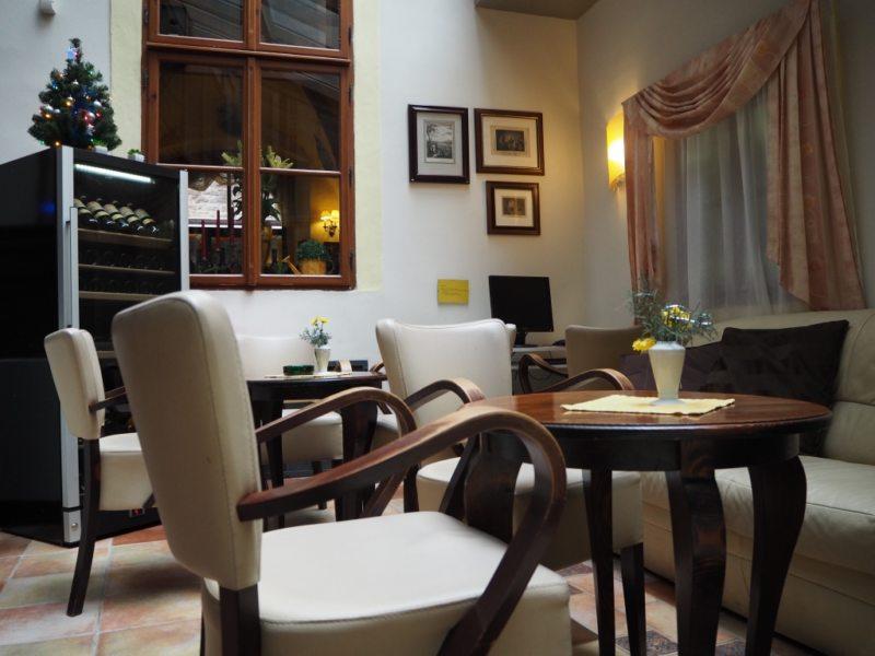 Кухня в готическом стиле (19)