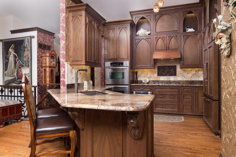 Кухня в готическом стиле (31)