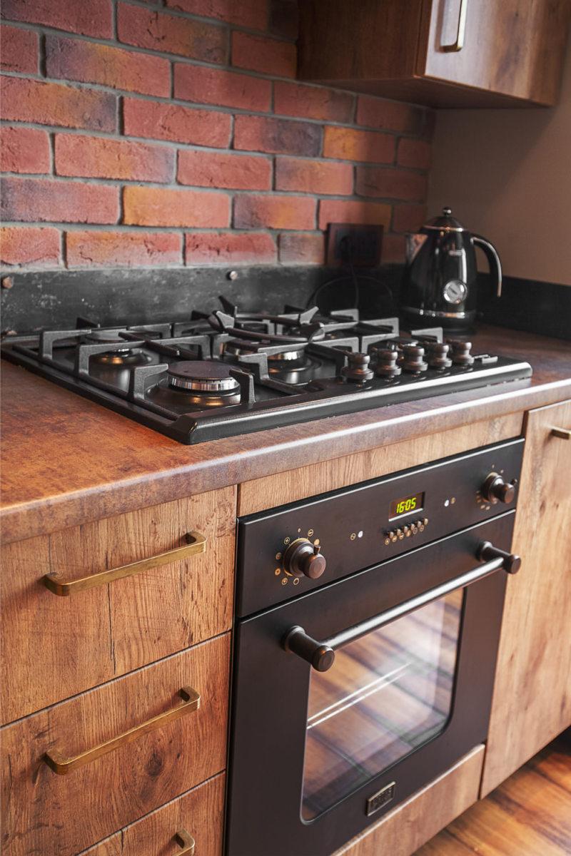 Дизайн кухни в сером