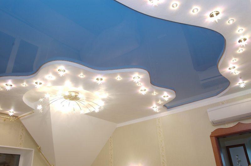 Натяжные потолки в гостиной (22)
