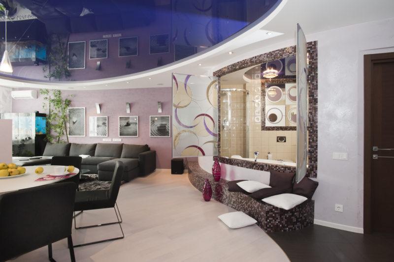 Натяжные потолки в гостиной (34)
