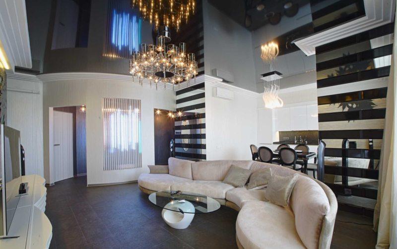 Натяжные потолки в гостиной (37)