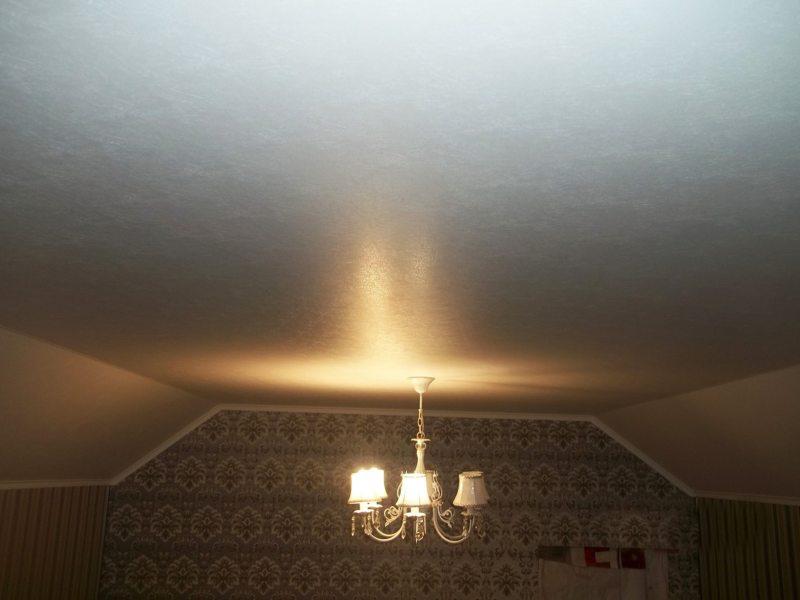 Натяжные потолки в гостиной (43)