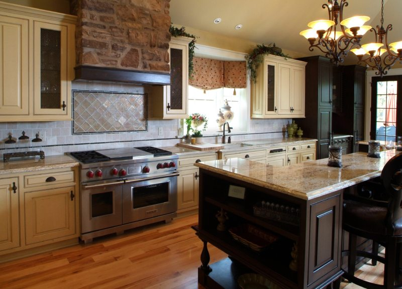 The kitchen is in the Gothic style (15)