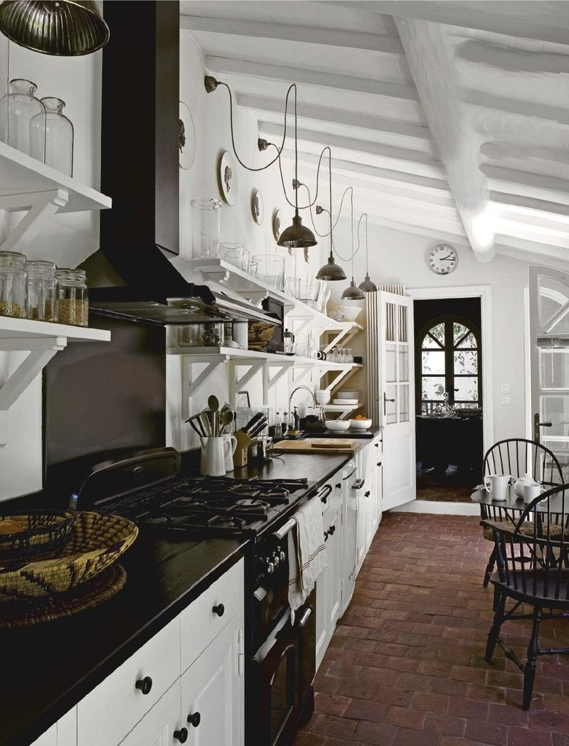 The kitchen is in the Gothic style (6)