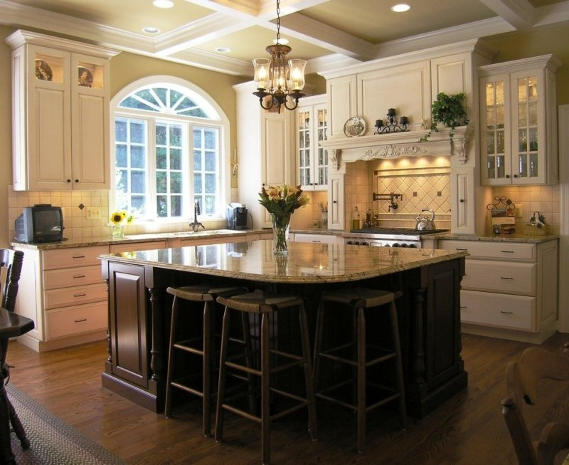 The kitchen is in the Gothic style (7)