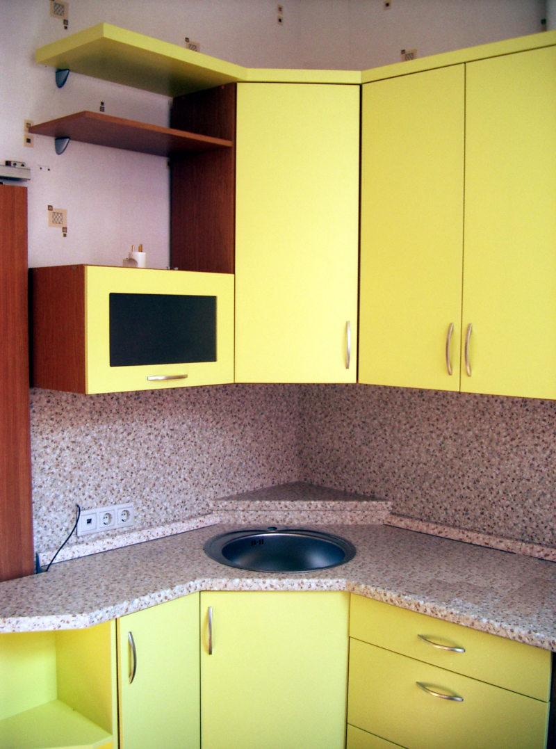 Желтая кухня (56)