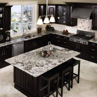 Черная кухня — строгий и нестандартный дизайн (60 фото идей)
