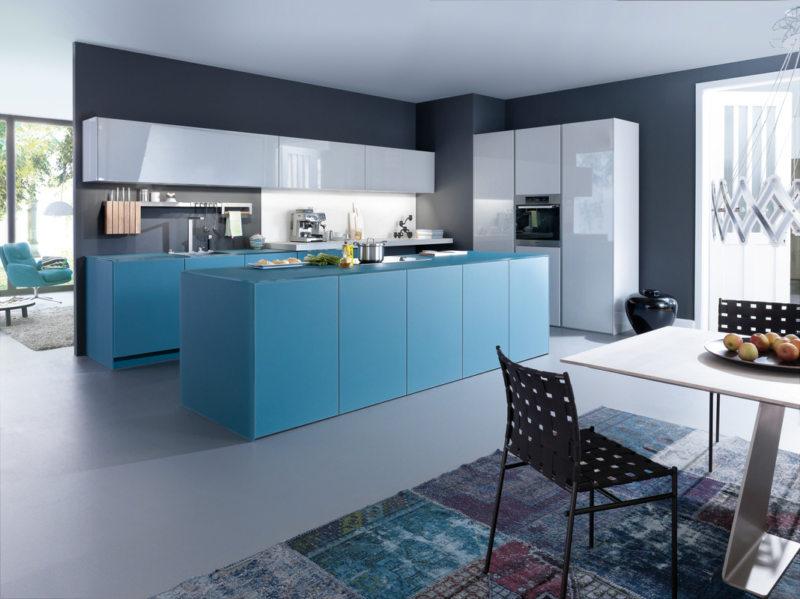 Интерьер кухни в серо голубых тонах фото