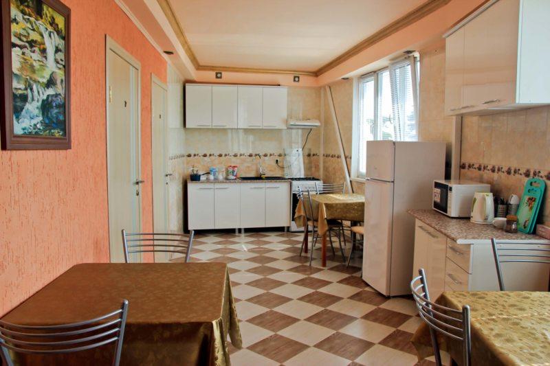 кухня персикового цвета (37)