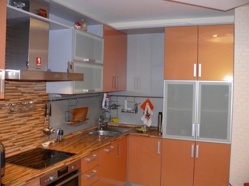 кухня персикового цвета (44)
