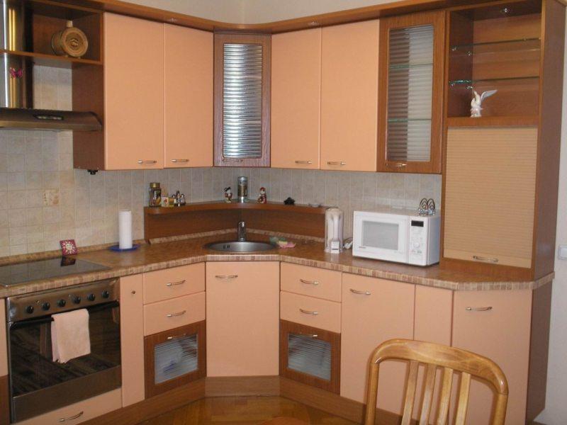 кухня персикового цвета (47)