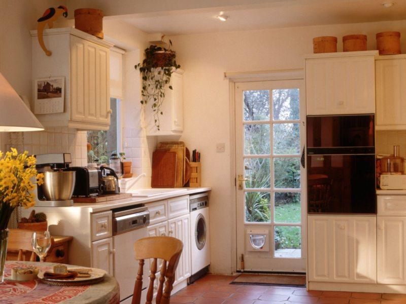 кухня персикового цвета (59)