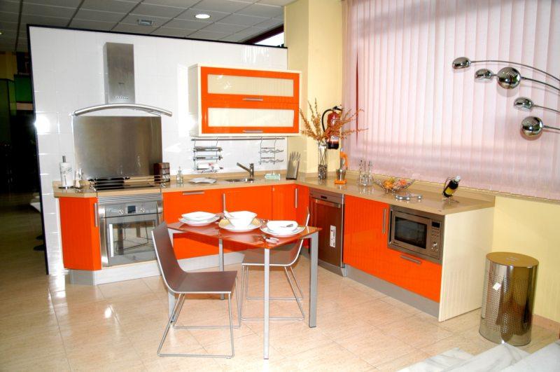 Ремонт кухни в оранжевых тонах