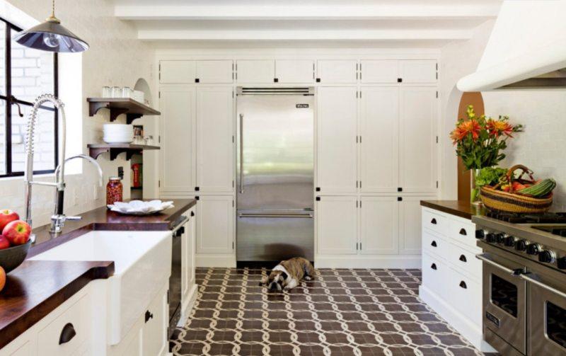 пол на кухне (36)