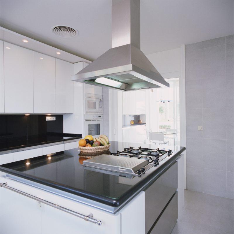 вытяжка на кухне 1 (60)