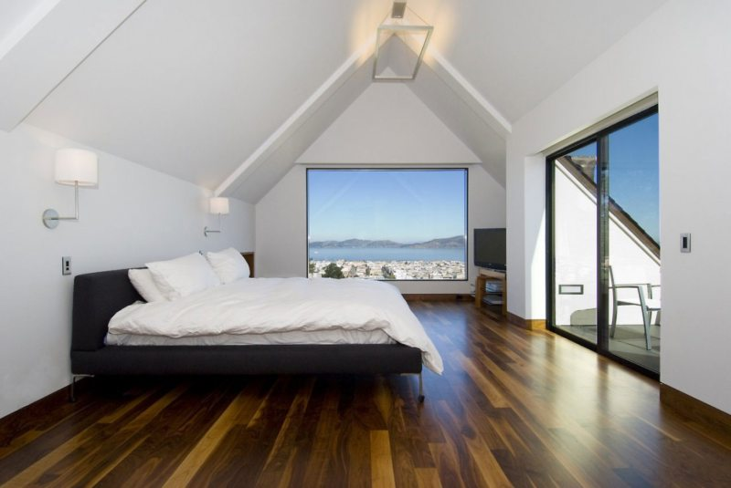 Bedroom with two windows 5 (13)