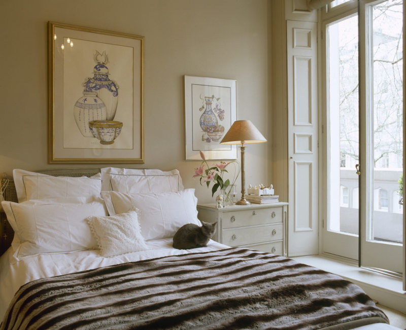 Beige bedroom (15)