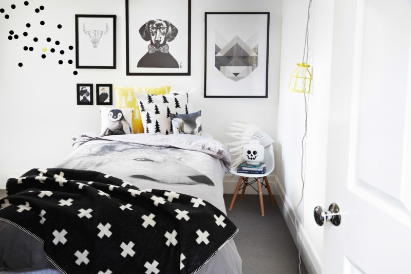 Black and white bedroom 9 (33)