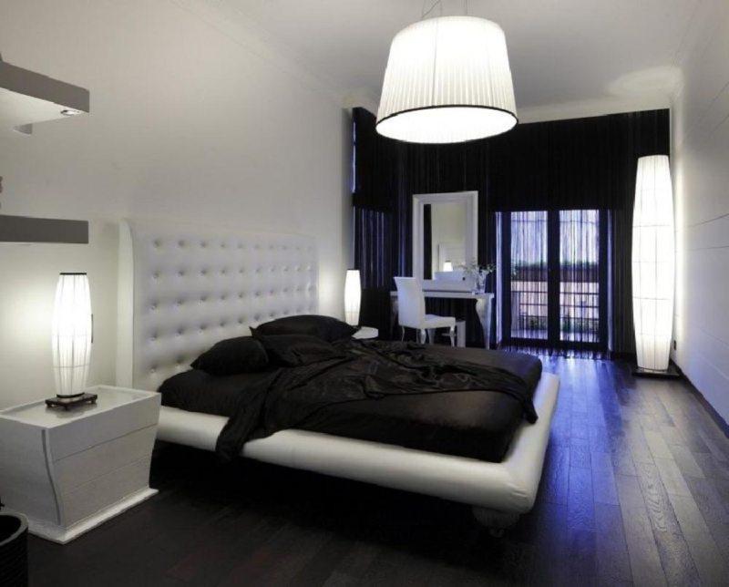 Дизайн спальни с темным ламинатом