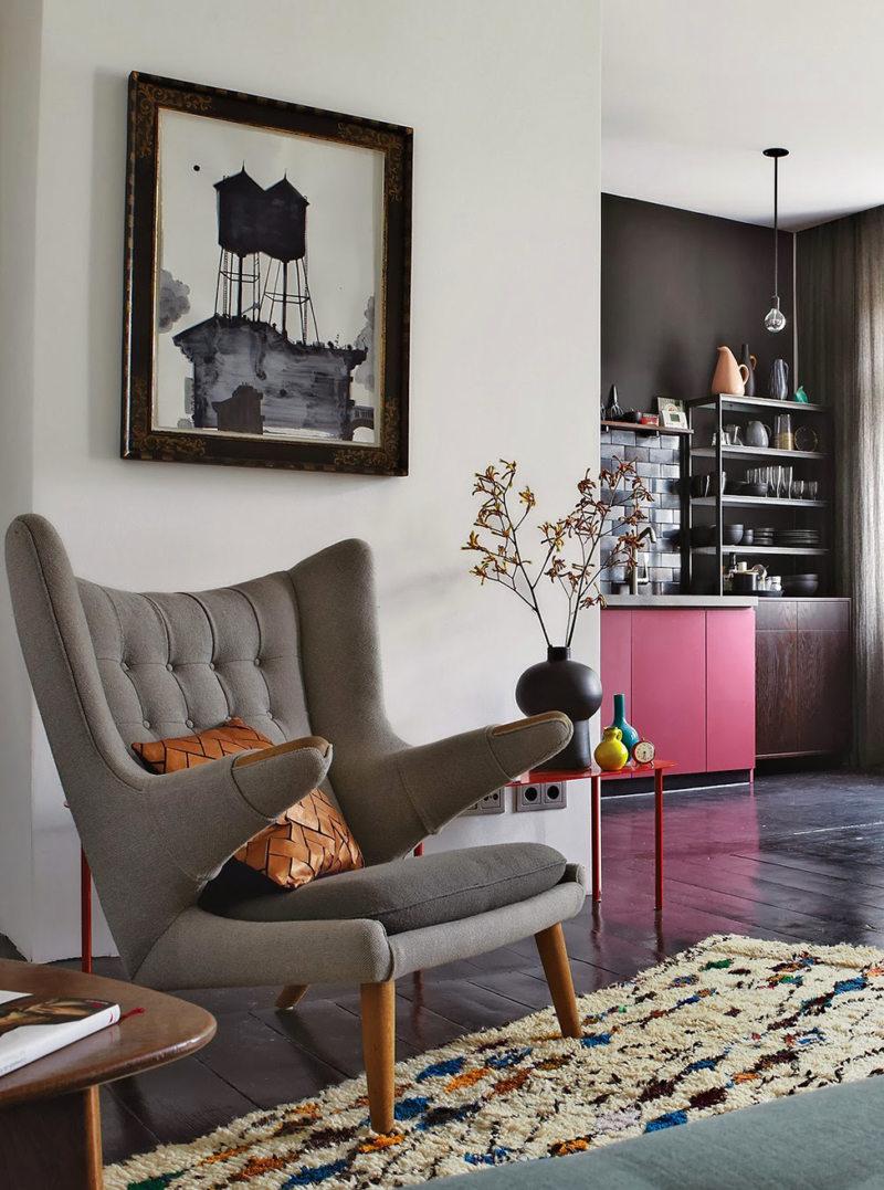 Chair in bedroom 9 (9)