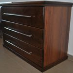 Chest of drawers in the bedroom (12)