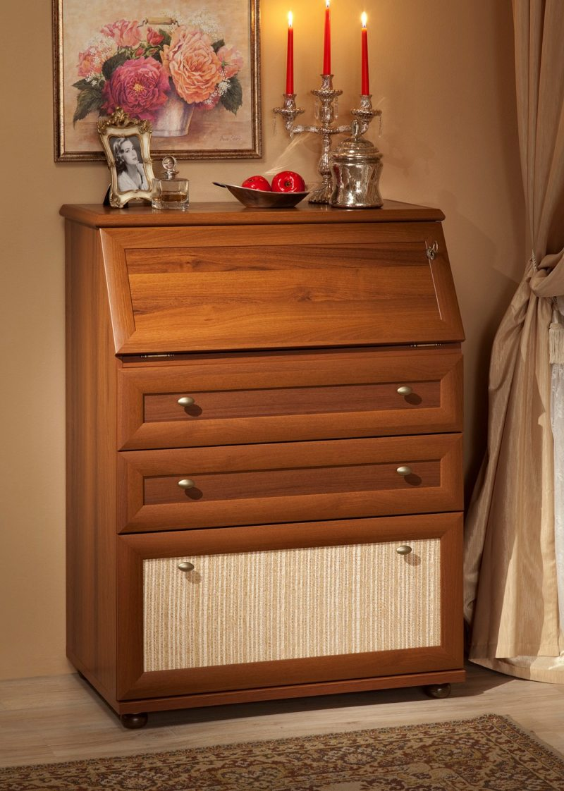 Chest of drawers in the bedroom (20)