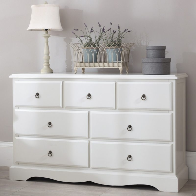 Chest of drawers in the bedroom (26)