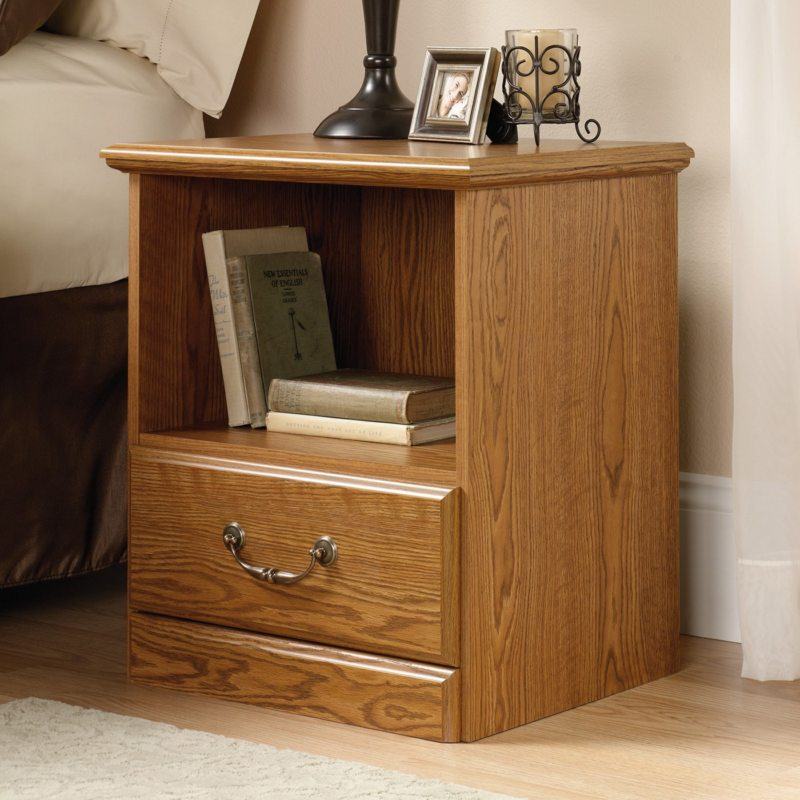 Chest of drawers in the bedroom (27)