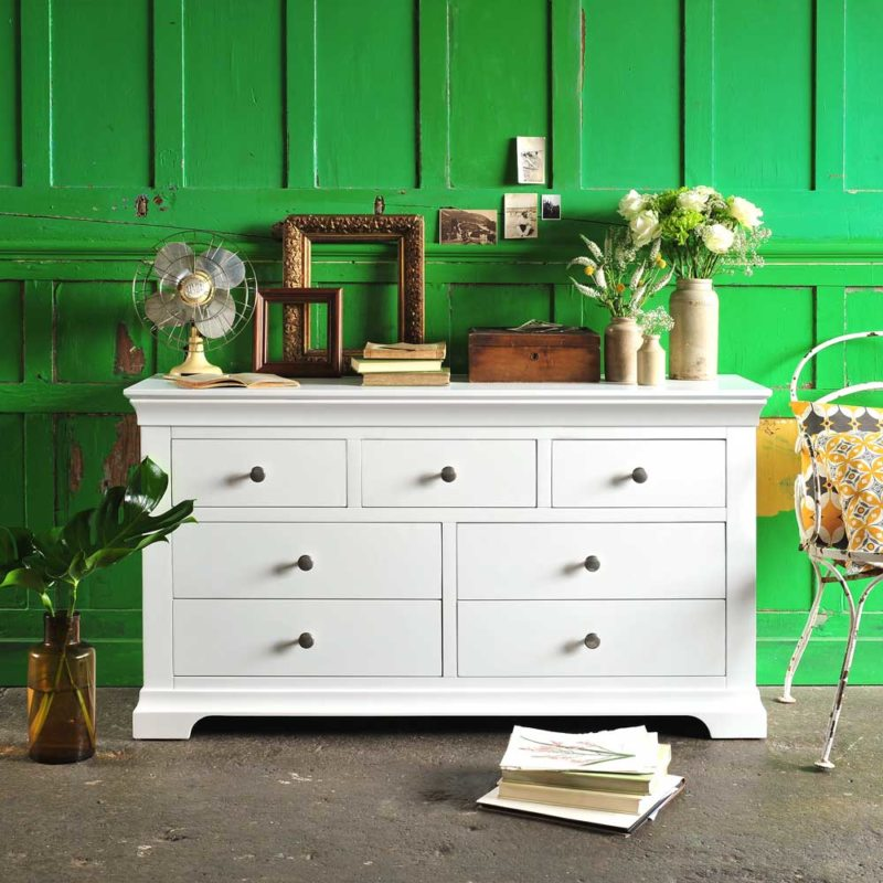 Chest of drawers in the bedroom (33)
