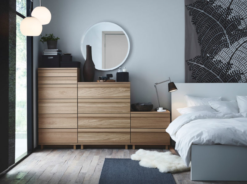 Chest of drawers in the bedroom (6)