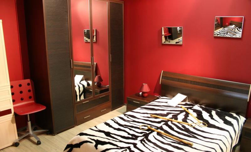 Красная спальня (02)
