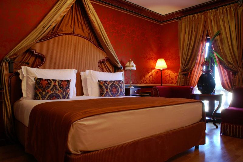 Красная спальня (23)