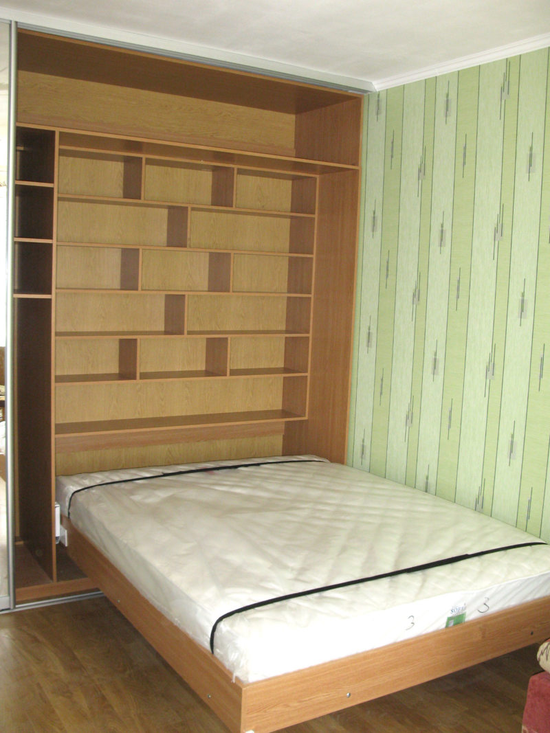 Кровать встроенная в шкаф (48)
