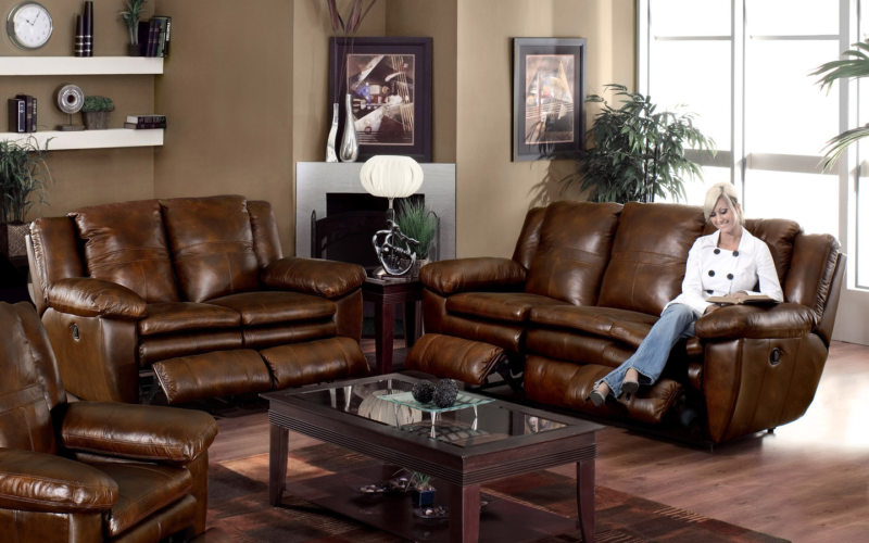 Leather seating living room (16)
