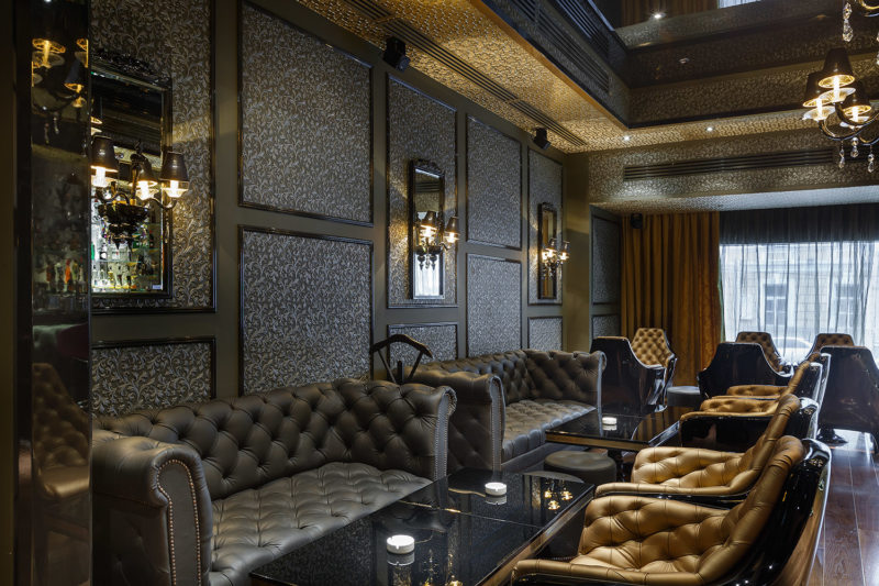 Leather seating living room (18)