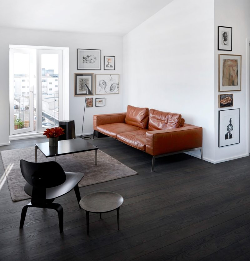 Leather seating living room (25)