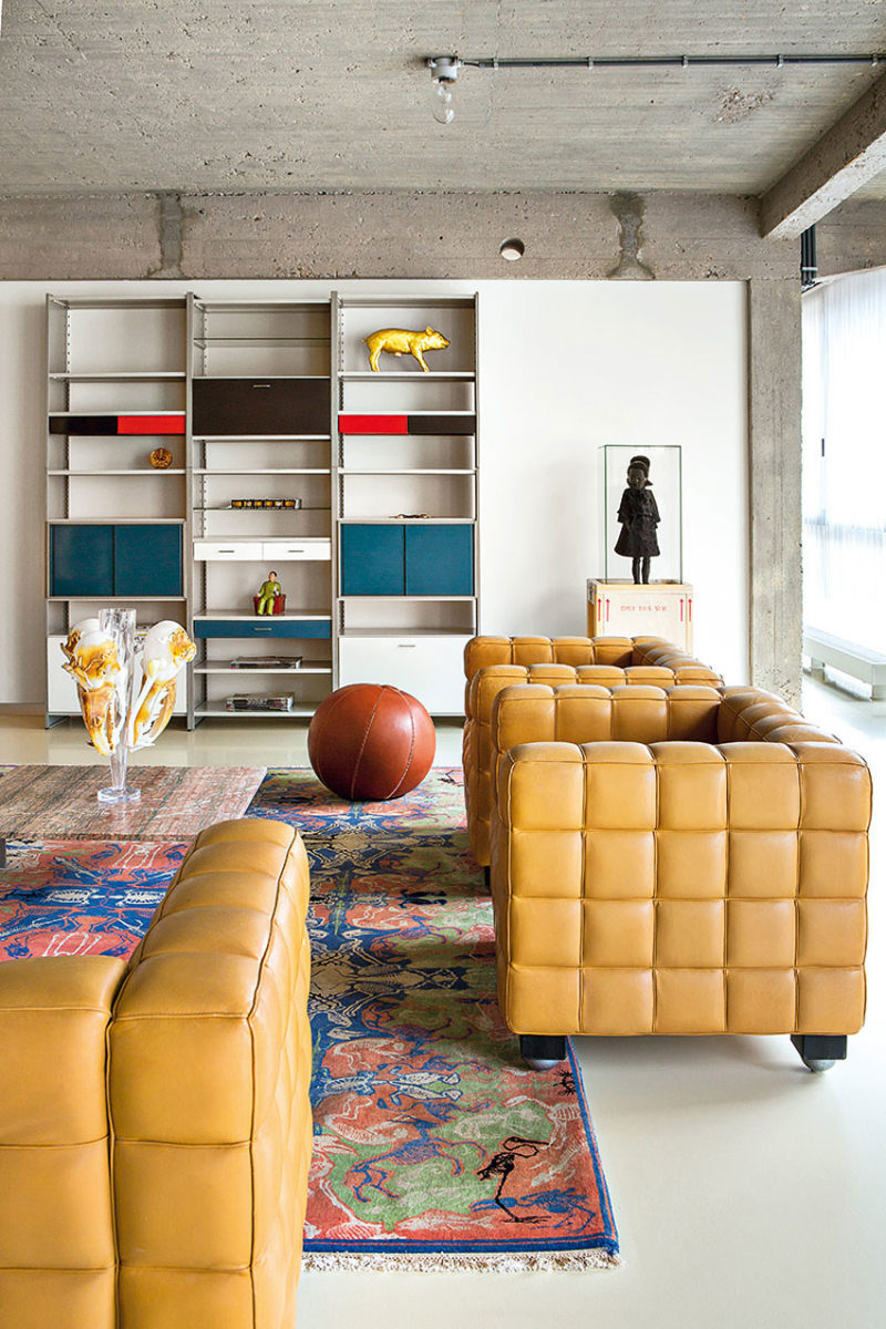 Leather seating living room (35)