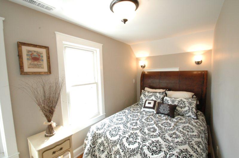 Long bedroom (24)