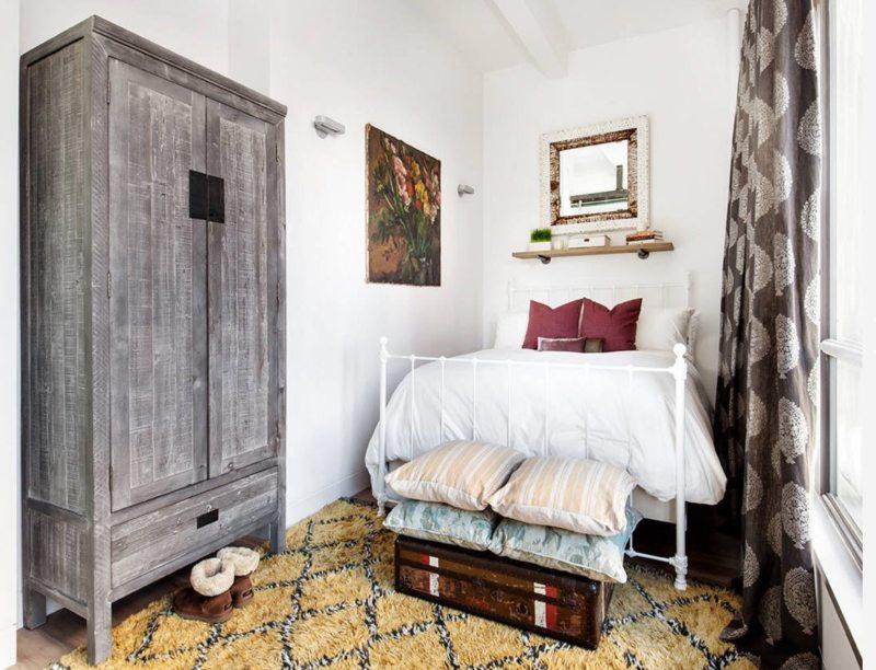 Long bedroom (37)