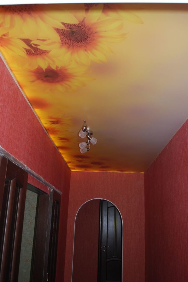 Как можно сделать потолок в коридоре фото